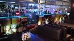 Оклейка барной стойки пленкой с полноцветной печатью
